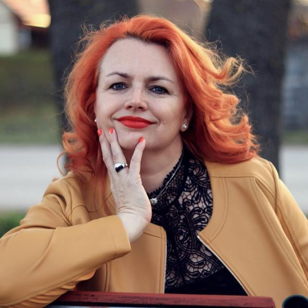 Fehérvári Krisztina